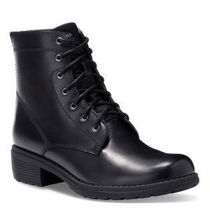 Eastland Shoes - NIB Eastland Blair Lace-Up Back Zip Boots in Black